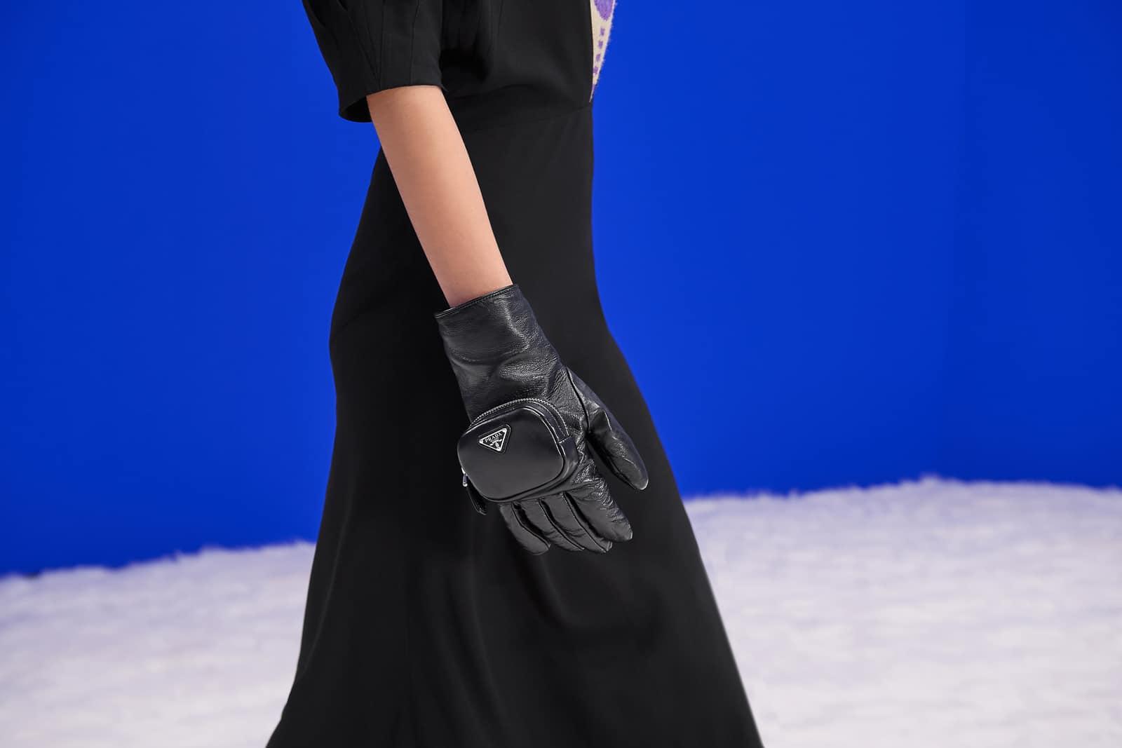 Túi xách, giày và trang sức Prada mùa Thu Đông 2021 có gì mới? 13