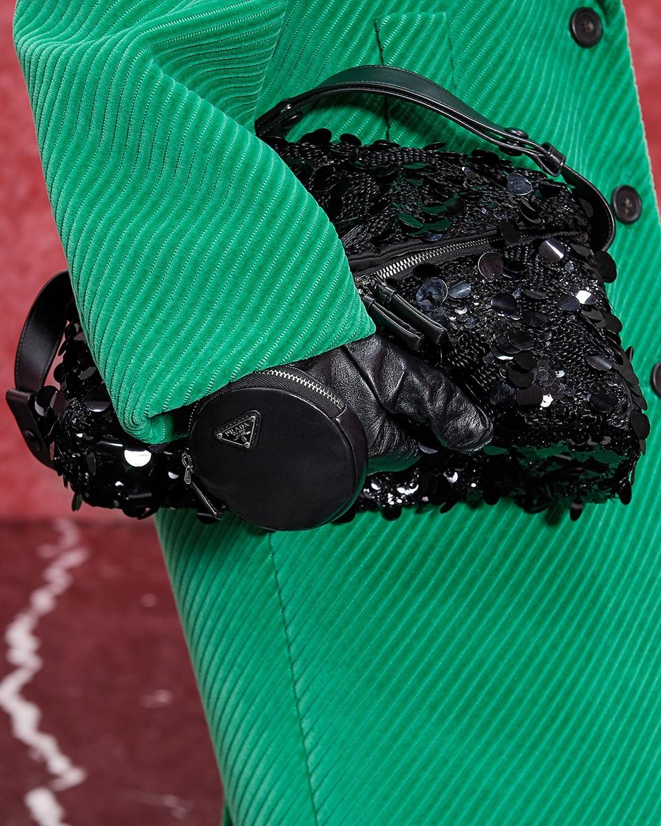 Túi xách, giày và trang sức Prada mùa Thu Đông 2021 có gì mới? 6