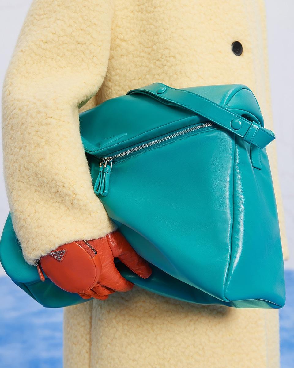 Túi xách, giày và trang sức Prada mùa Thu Đông 2021 có gì mới? 9
