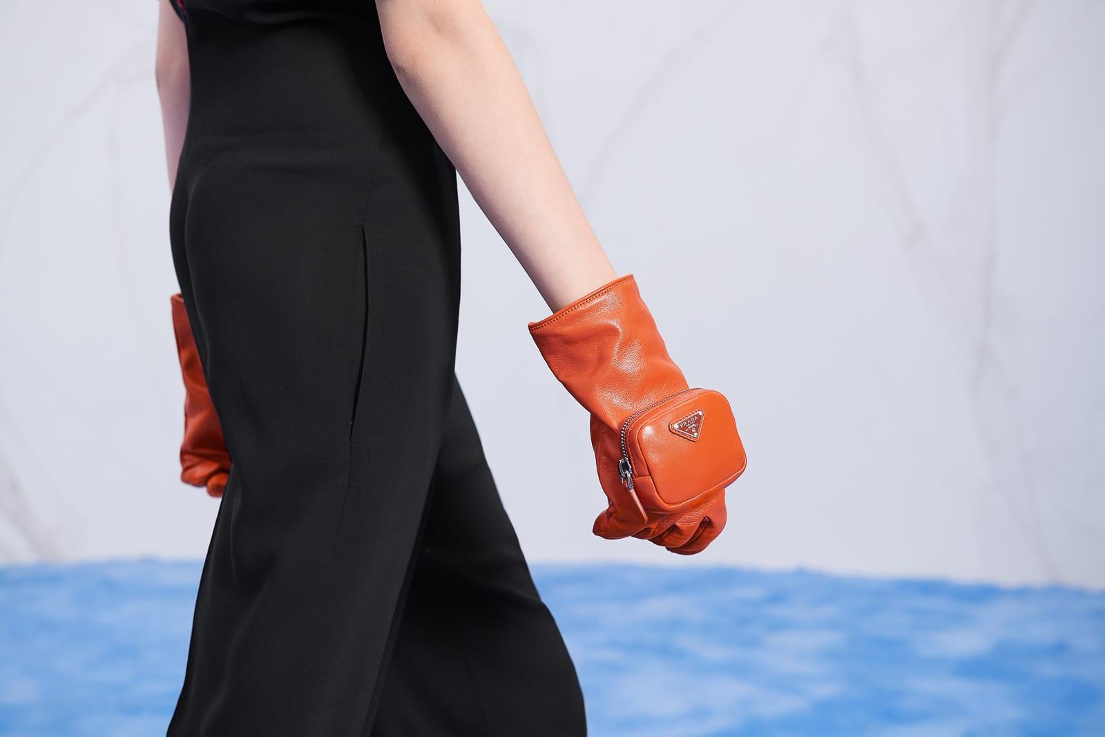 Túi xách, giày và trang sức Prada mùa Thu Đông 2021 có gì mới? 12