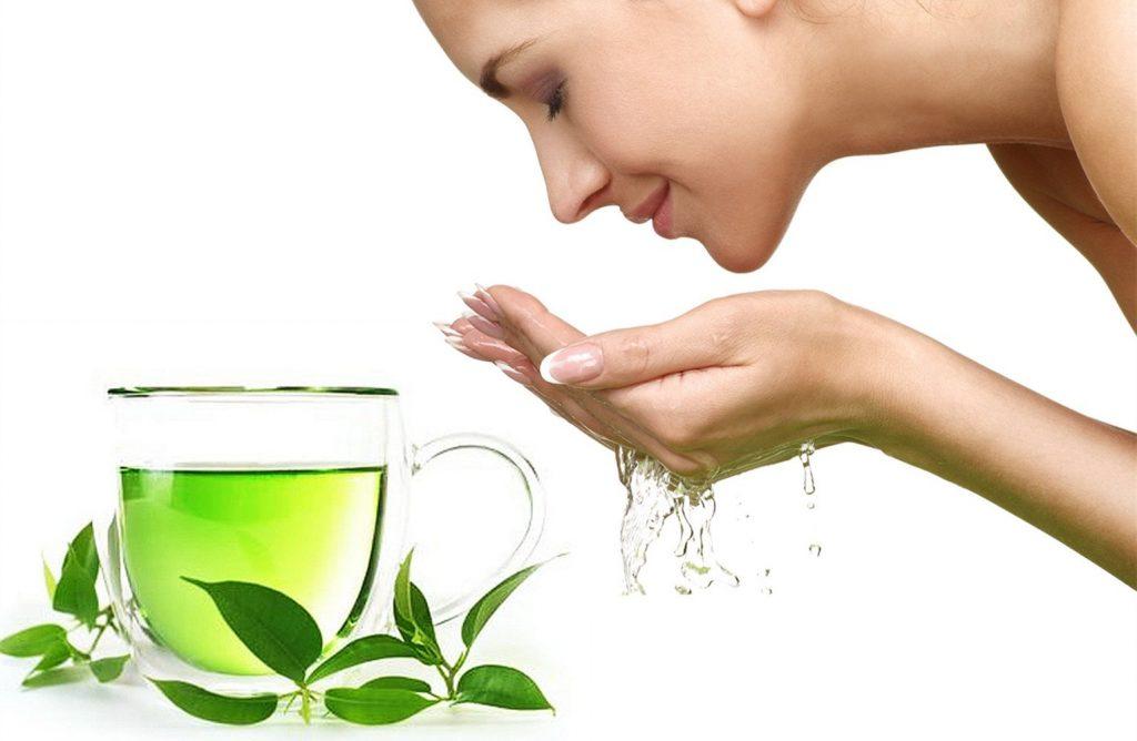 Rửa mặt bằng nước trà xanh như thế nào cho hiệu quả?