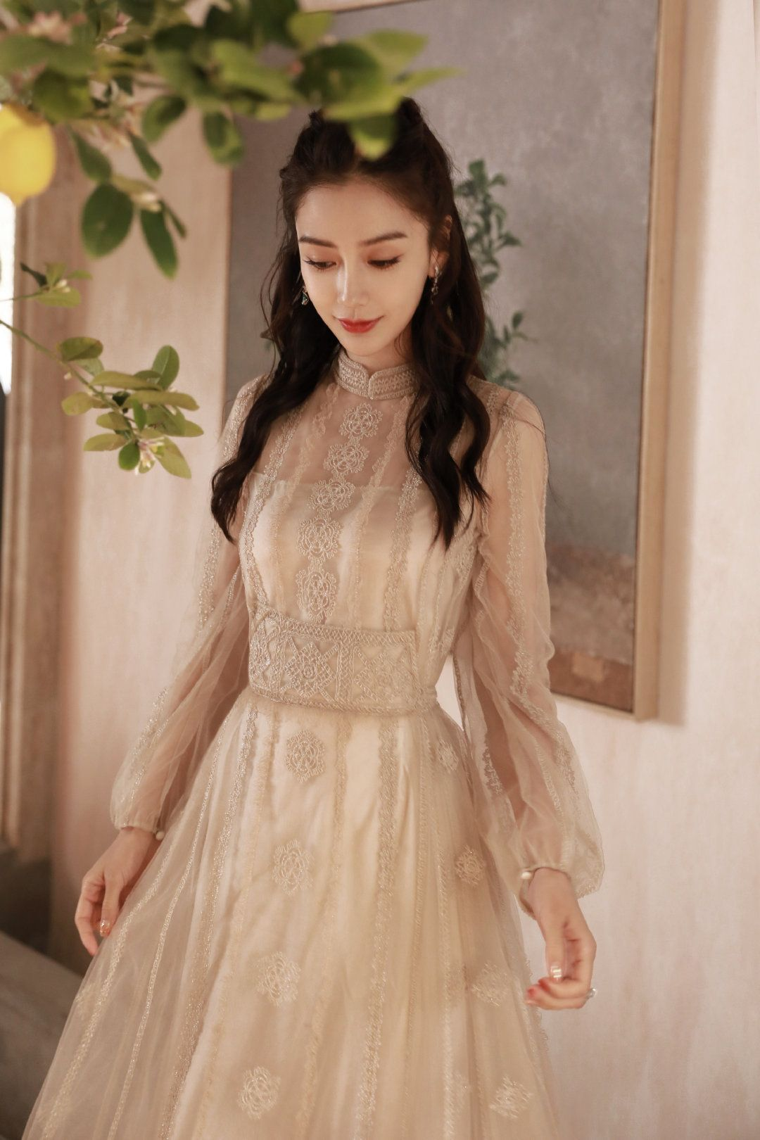 Angelababy ăn mừng sinh nhật tại Weibo Night 2020 với Dior, Elie Saab 2