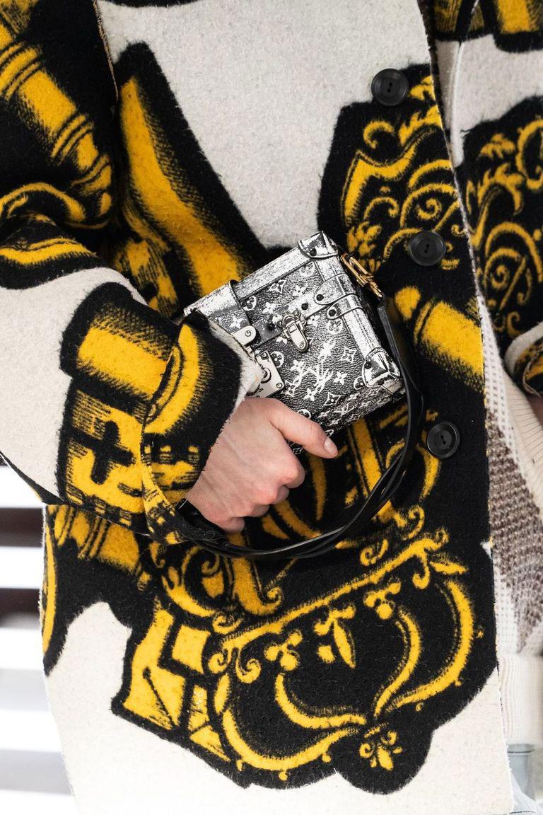 Tất cả các mẫu túi xách Louis Vuitton Thu Đông 2021 | Harper's Bazaar