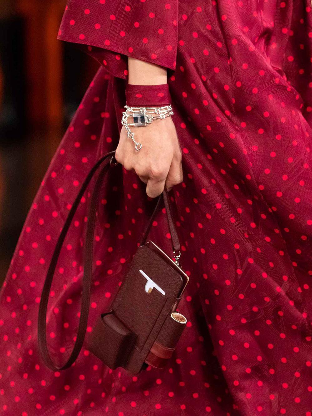 Phụ kiện đinh của Hermès Thu Đông 2021: Son môi Rouge Hermès 3