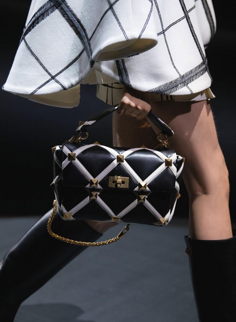 Tất cả các mẫu túi xách Valentino mùa Thu Đông 2021 5