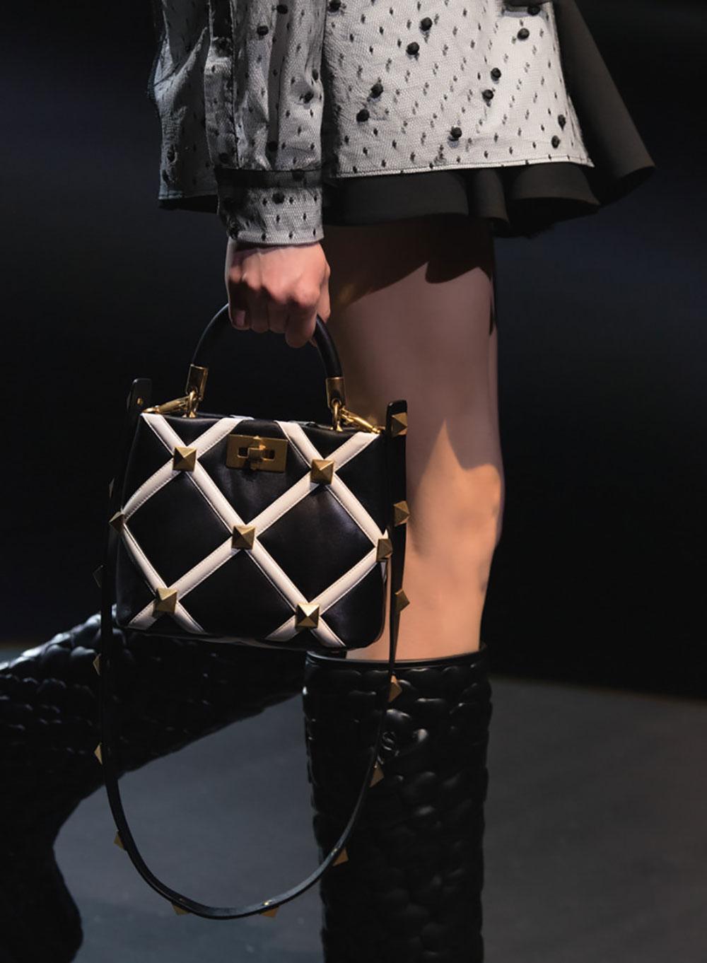 Tất cả các mẫu túi xách Valentino mùa Thu Đông 2021 7