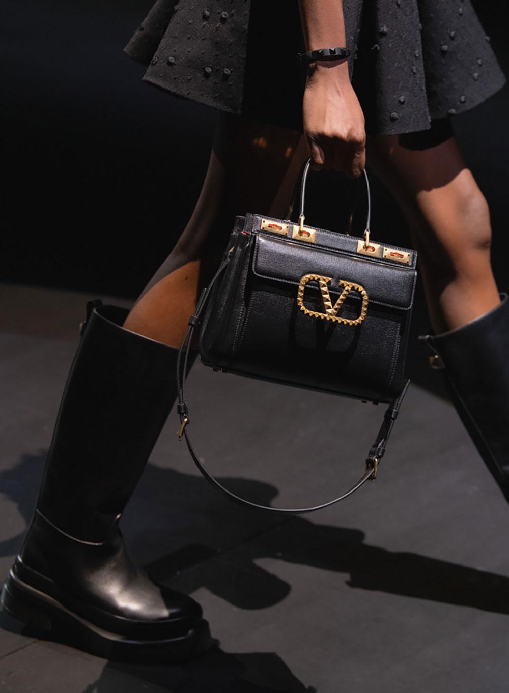 Tất cả các mẫu túi xách Valentino mùa Thu Đông 2021 22
