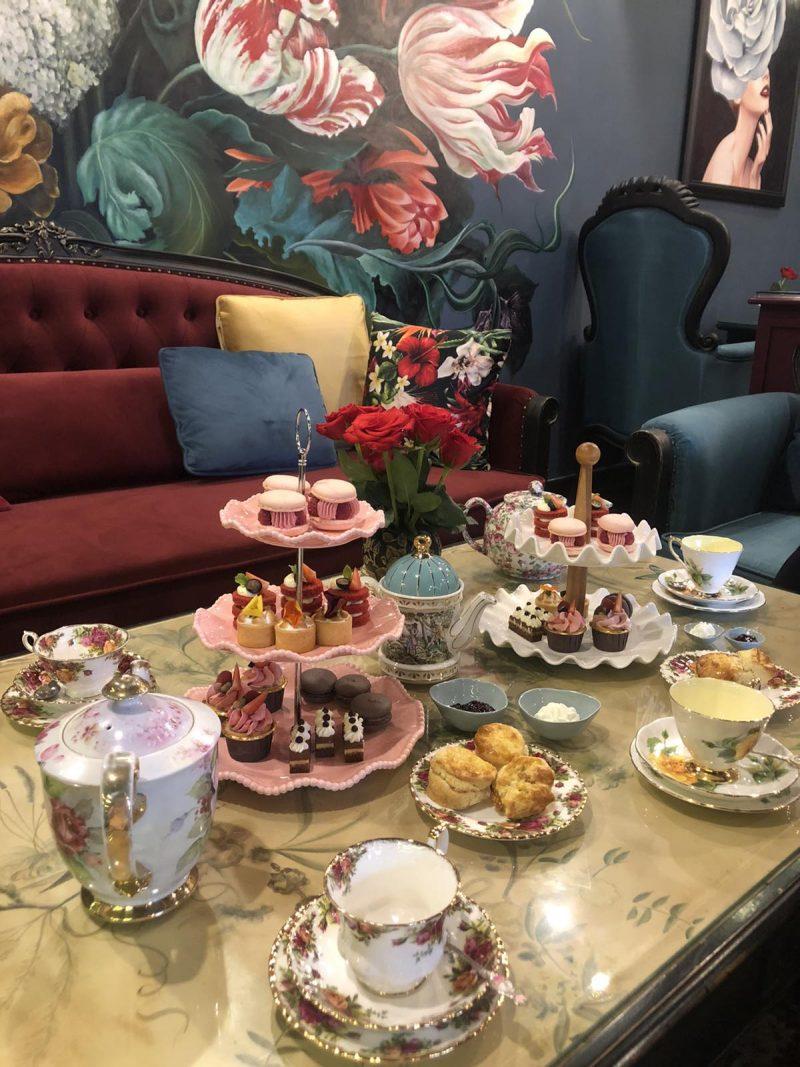 En Rose Tea Room & Boutique: Tiệm trà đẹp tựa cổ tích giữa lòng Sài thành