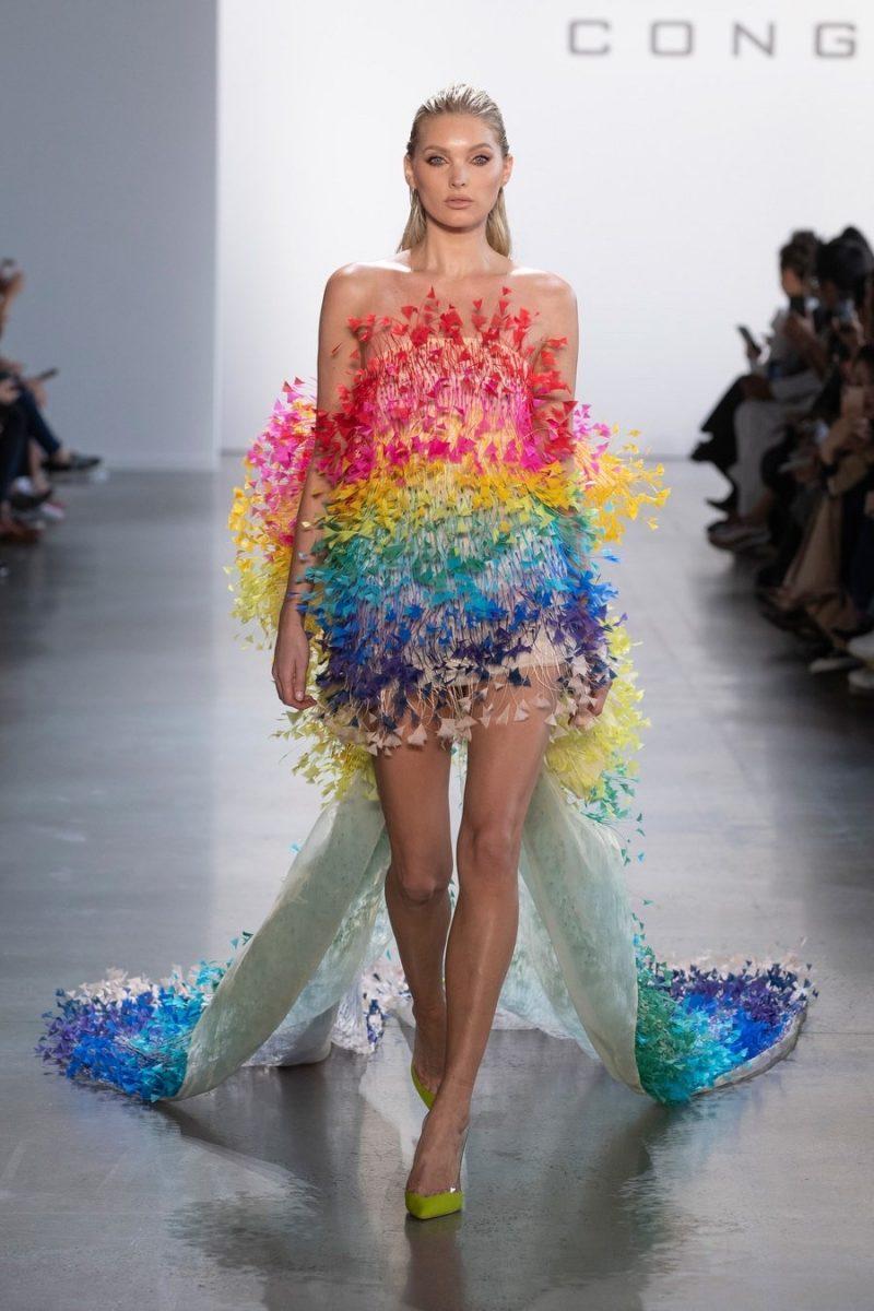 Siêu mẫu Elsa Hosk diện chiếc đầm CONGTRI tại New York Fashion Week. Ảnh: Tumblr Elsa Hosk Runway.