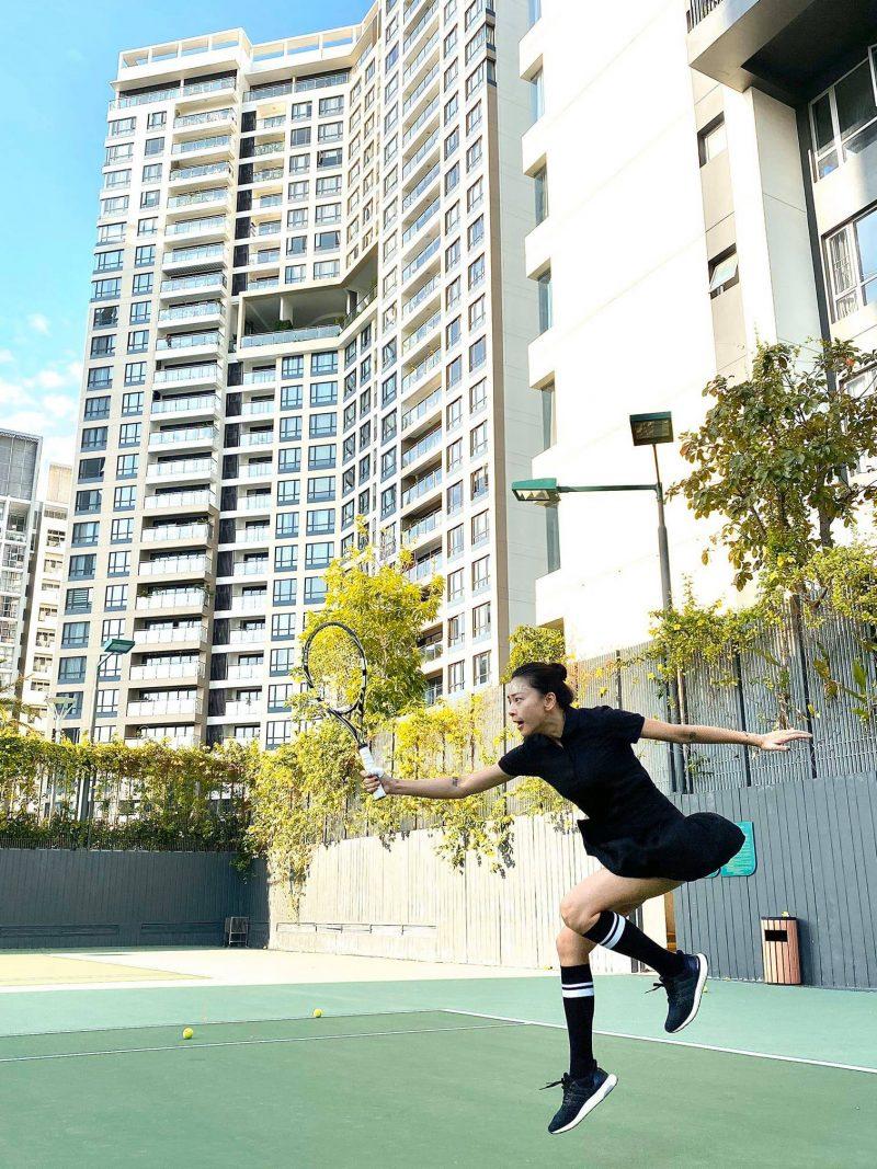 Ngô Thanh Vân giữ dáng ở tuổi 42 nhờ chơi tennis.