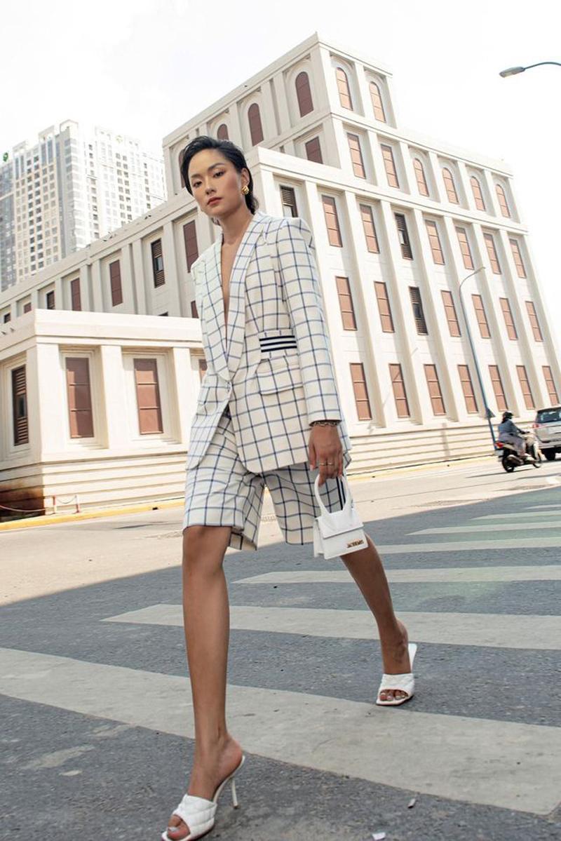 CONG TRI và Hồ Thu Anh gợi ý cách diện suit trắng không đơn điệu