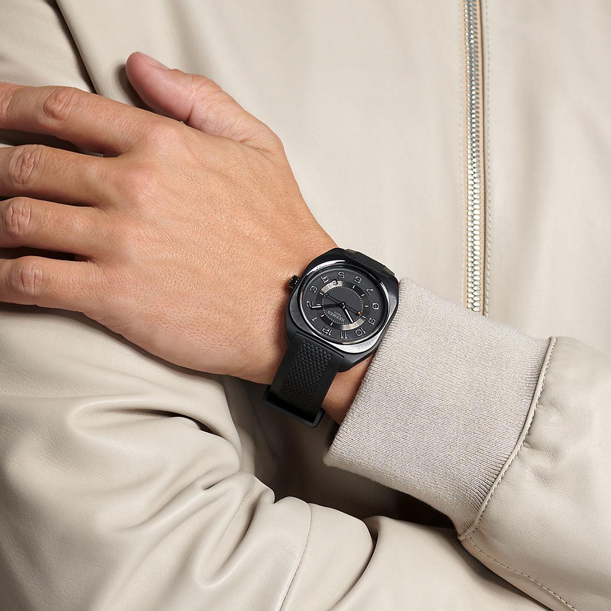 Lần đầu tiên Hermès thiết kế đồng hồ phong cách thể thao 1