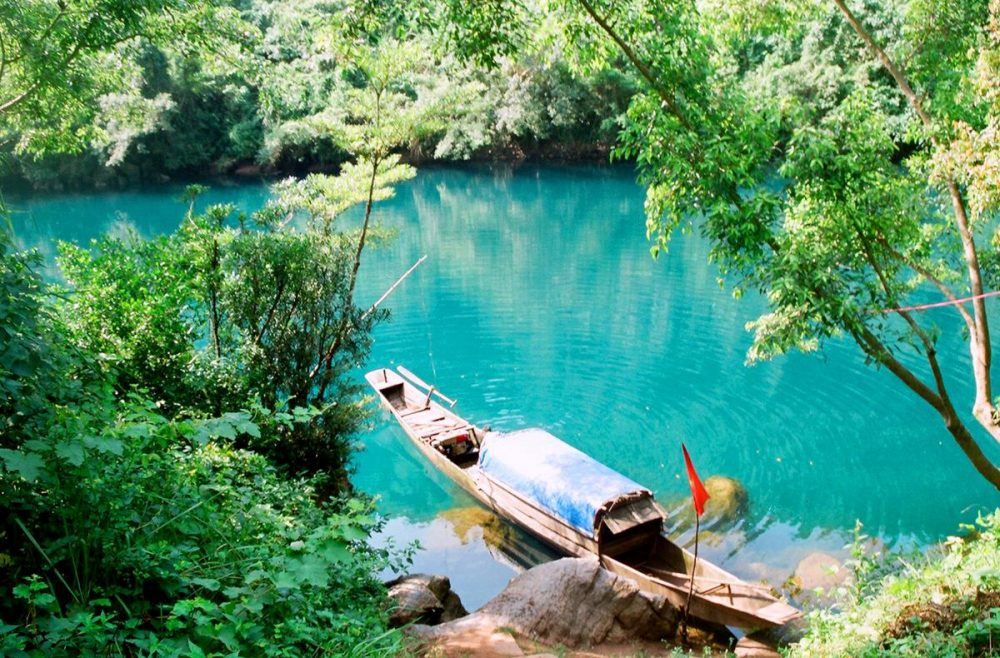 địa điểm du lịch Quảng Bình: Sông Chày – Hang Tối