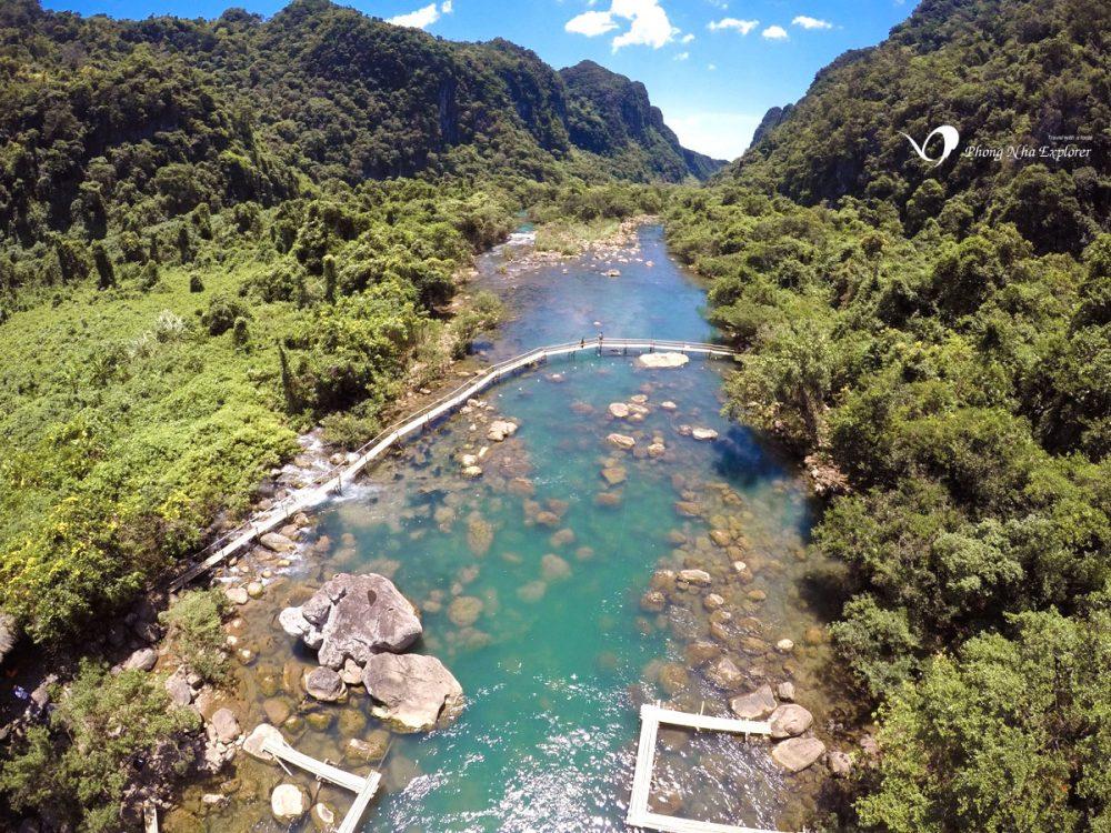 Địa điểm du lịch Quảng Bình: Suối Nước Moọc