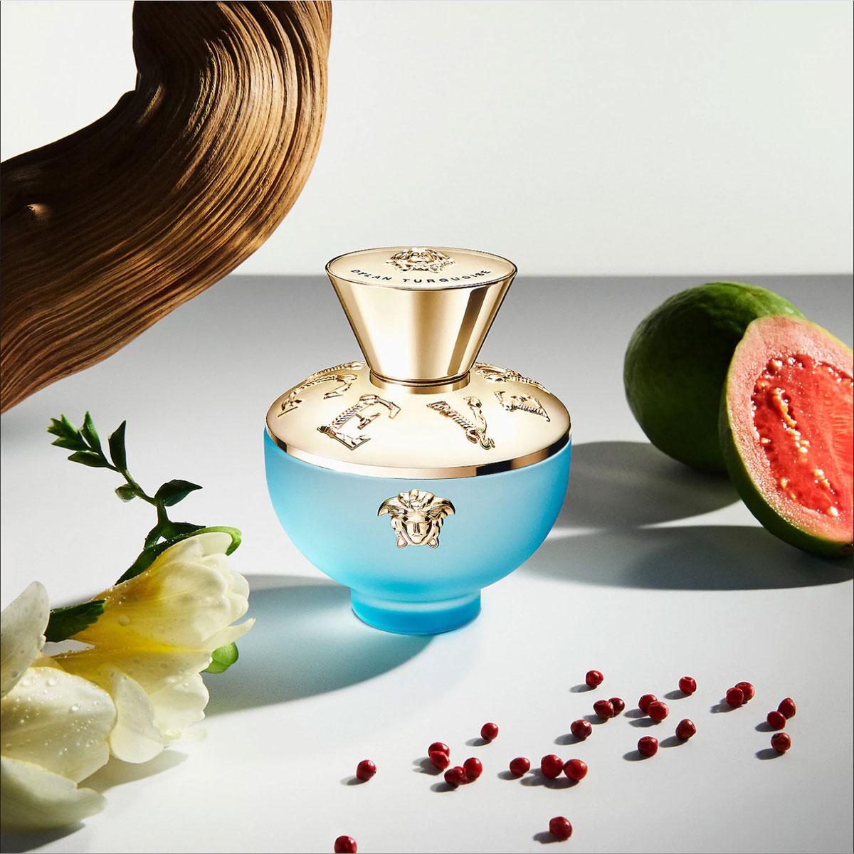 6 chai nước hoa hương hoa cỏ mới cho 2021: Versace