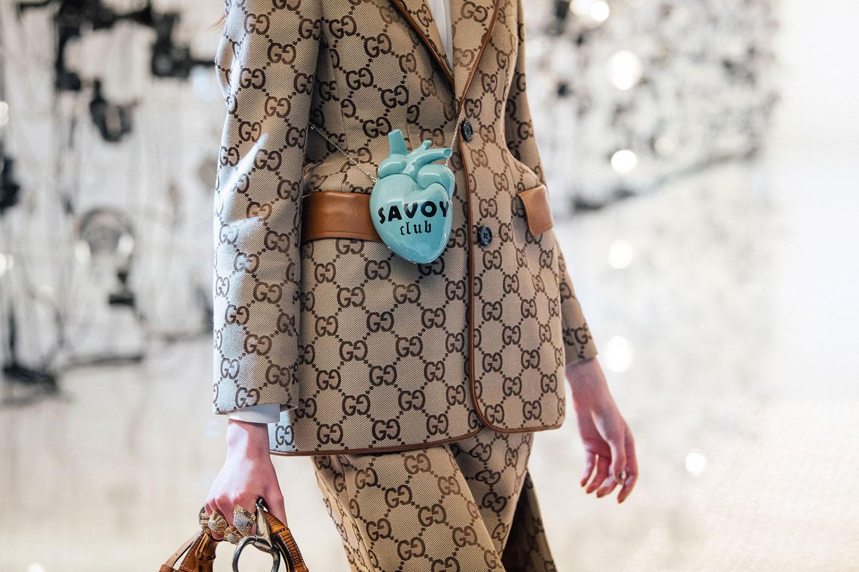 Túi xách Gucci Thu Đông 2021: Savoy Club Minaudiere