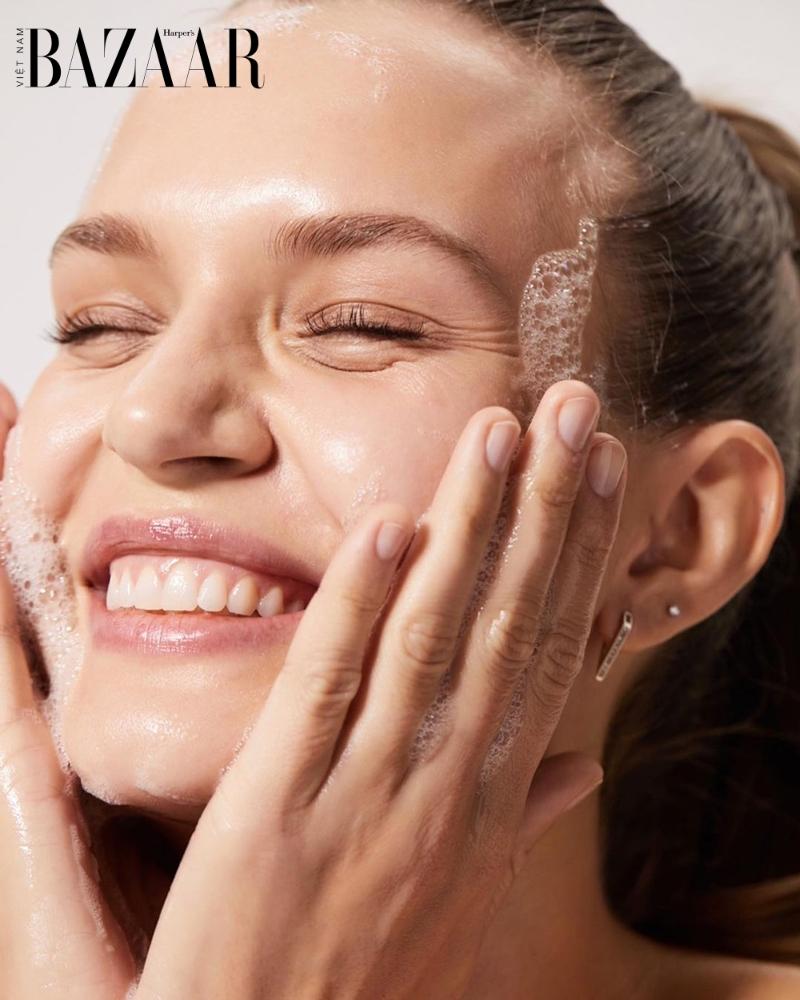 Bạn đã biết các bước rửa mặt đúng cách cho làn da rạng rỡ, sáng mịn?