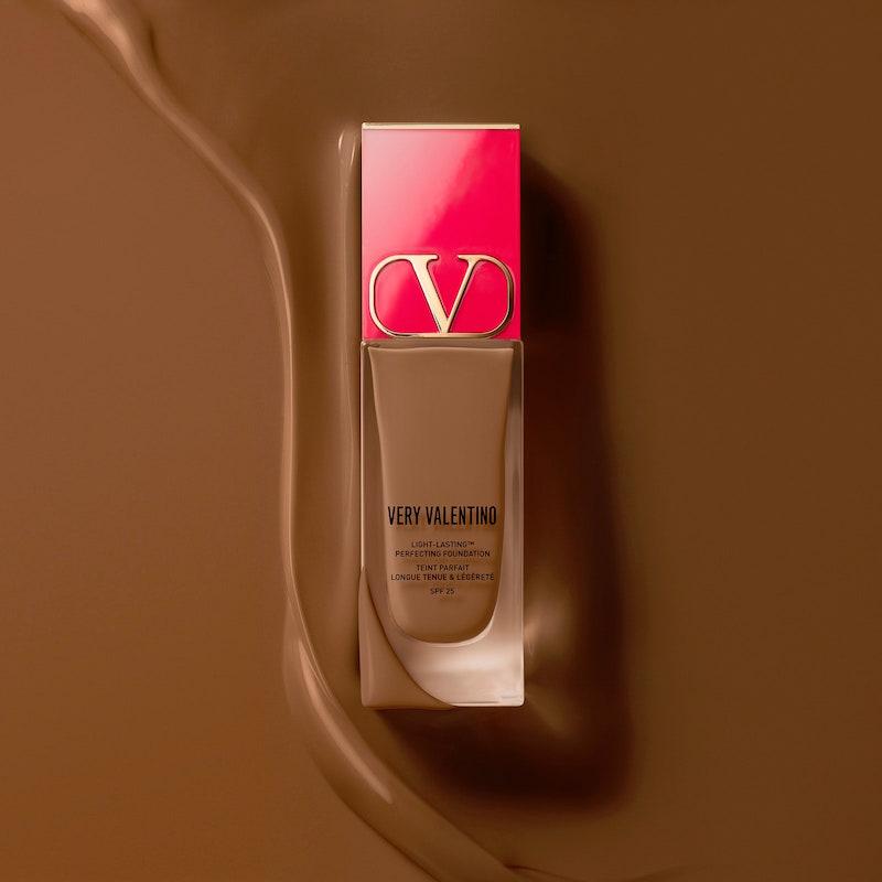 Valentino chuẩn bị cho ra mắt dòng mỹ phẩm trang điểm đầu tiên