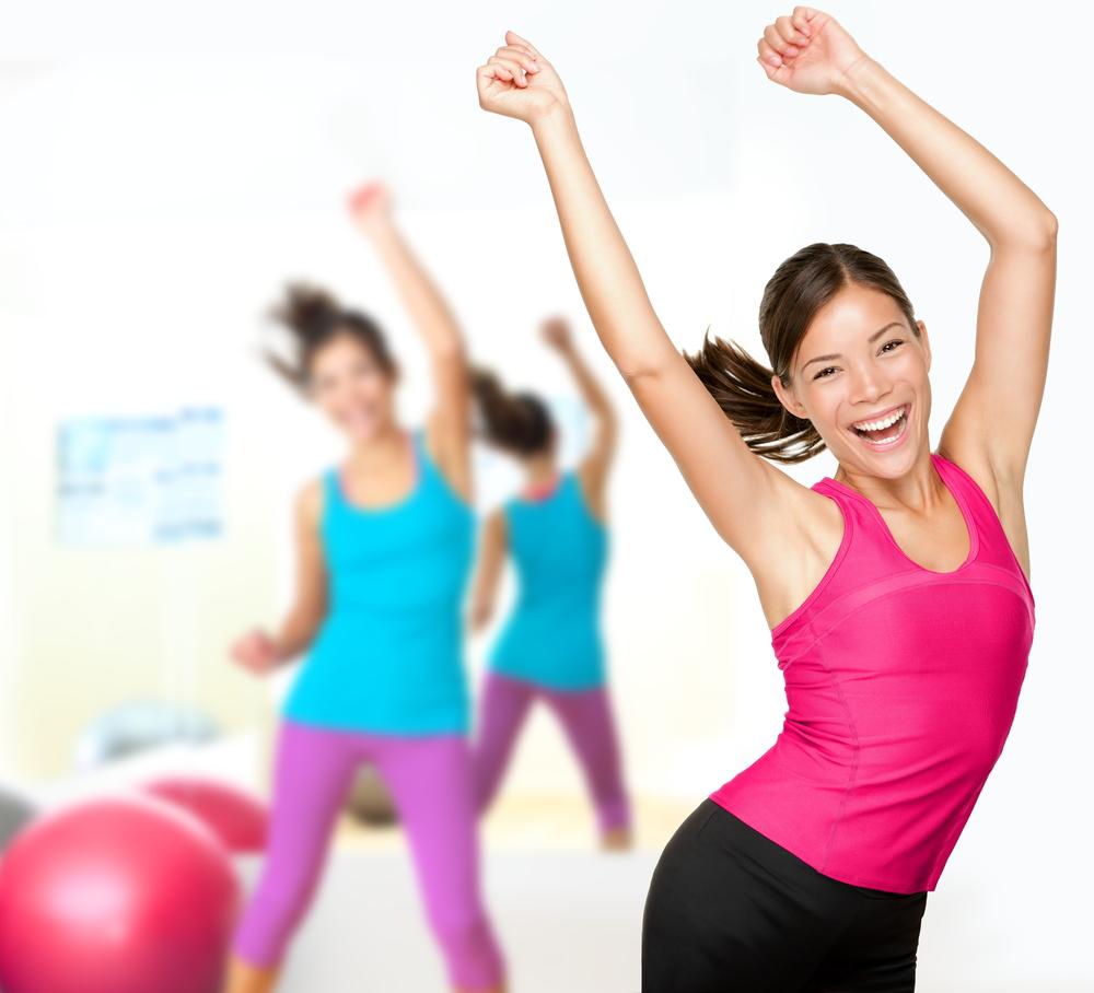bài tập aerobic giảm mỡ bụng cho người mới tập: lắc hông