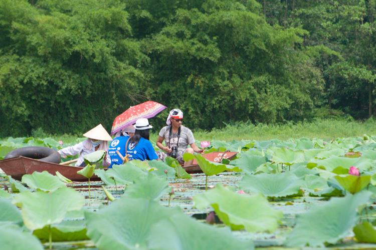 địa điểm du lịch gần Hà Nội trong 1 ngày: hồ quan sơn