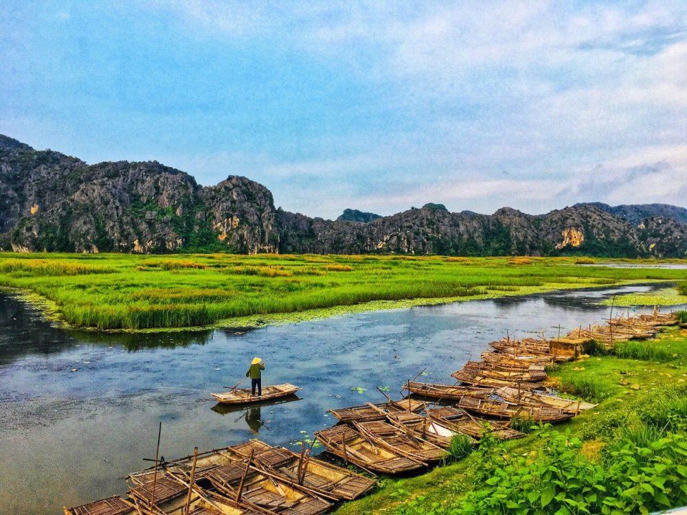 các địa điểm du lịch Ninh Bình: đầm Vân Long