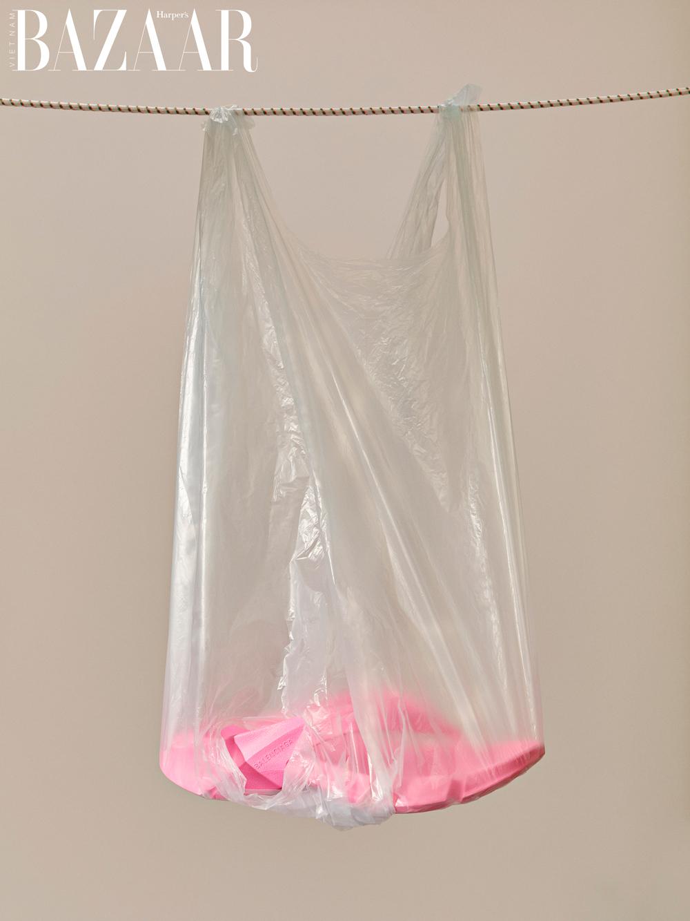 Bộ ảnh Plasticize - Làm Gì Với Nhựa 5