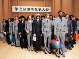 Louis Vuitton Men Xuân Hè 2022 đề cao văn hóa da màu và xu hướng phi giới tính