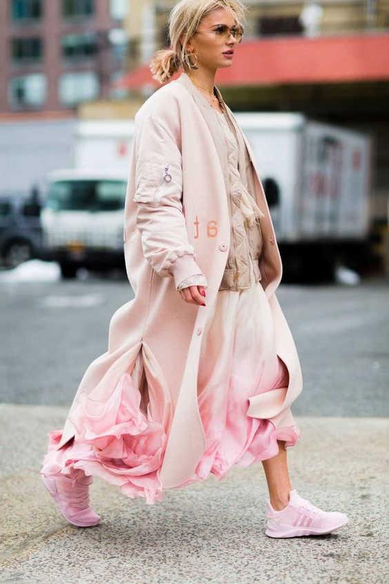 Cách phối đồ với giày màu hồng