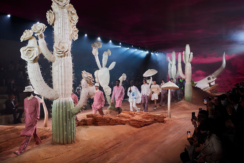 Dior Men Xuân Hè 2022: Bộ sưu tập Cactus Jack Dior