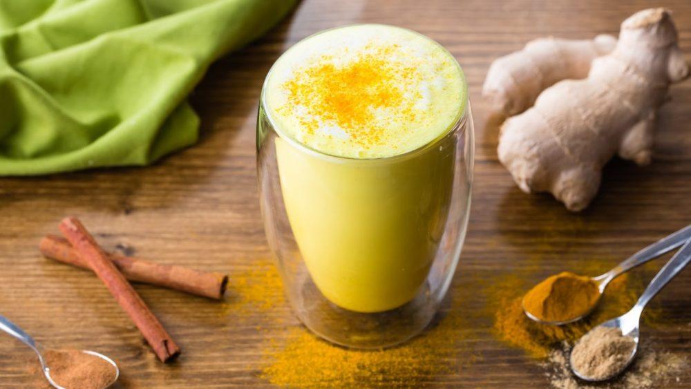 cách làm sữa nghệ uống đẹp da