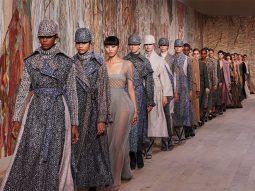 Dior Haute Couture Thu Đông 2021: Lời tri ân gửi tới những nghệ nhân dệt may