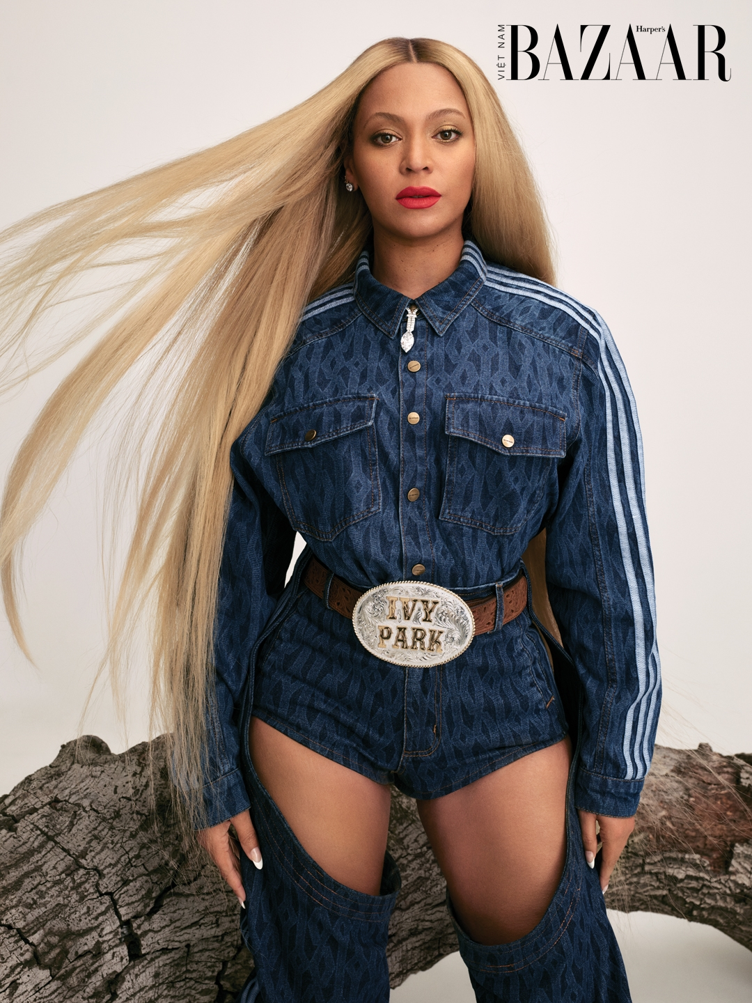HBZ090121WELLCoverStory_011_beyonce