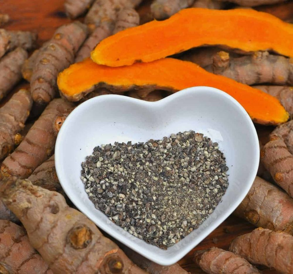 tiêu đen giúp hấp thụ curcumin tốt hơn