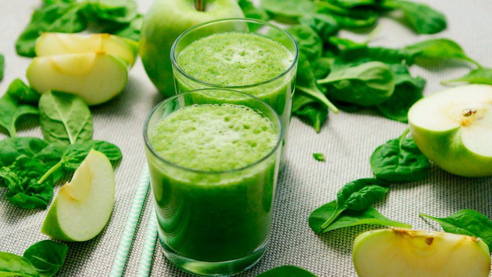 Cách làm nước ép rau bina với táo