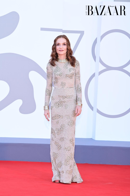 BZ-Cartier-Celebrities-in-Cartier-at-the-78th-Venice-Film-Festival-Isabelle-Huppert-D.-Venturelli