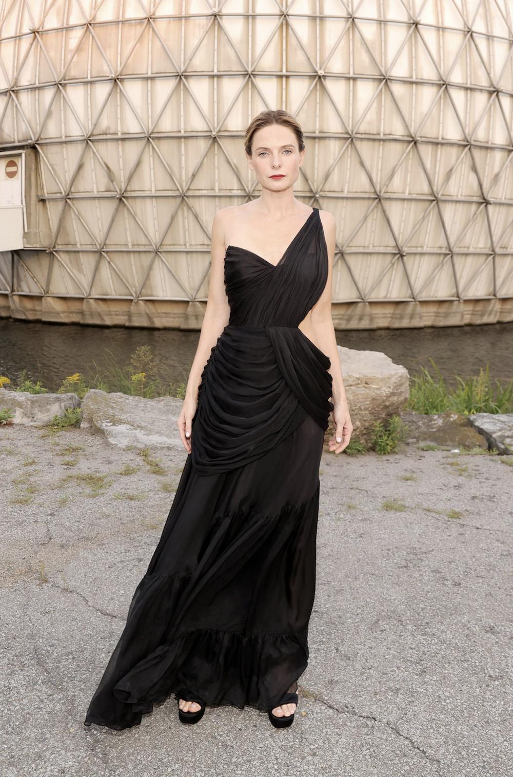 Rebecca Ferguson diện đầm Công Trí tại Liên hoan phim Quốc tế Toronto 2
