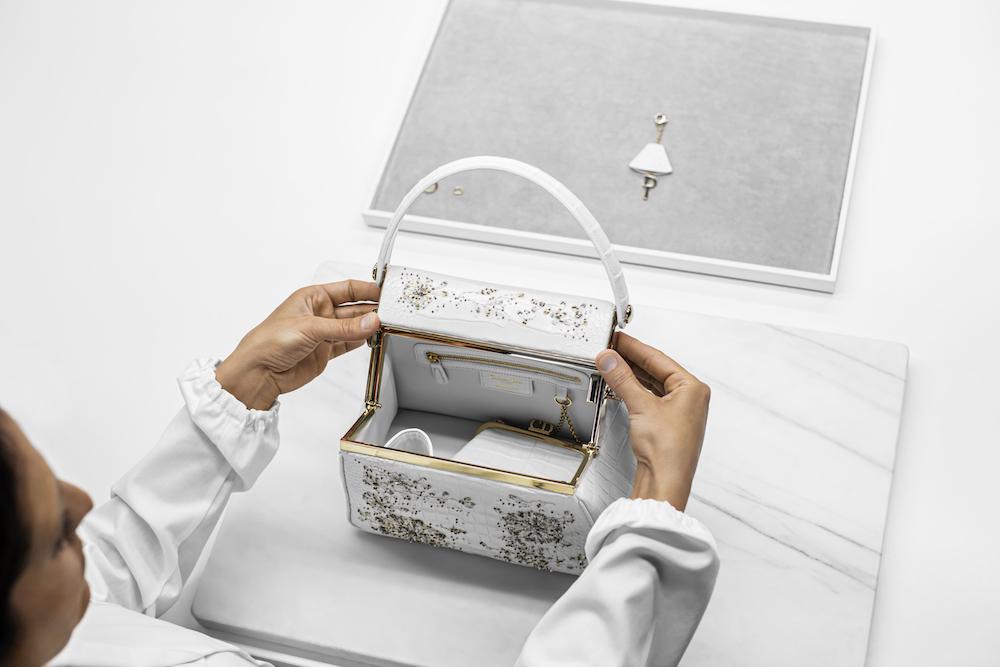 Dior giới thiệu mẫu túi Dior Babe với phiên bản tuỳ chọn đặc biệt 4