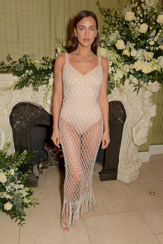 Thời trang Irina Shayk: Luôn trung thành với Burberry 3