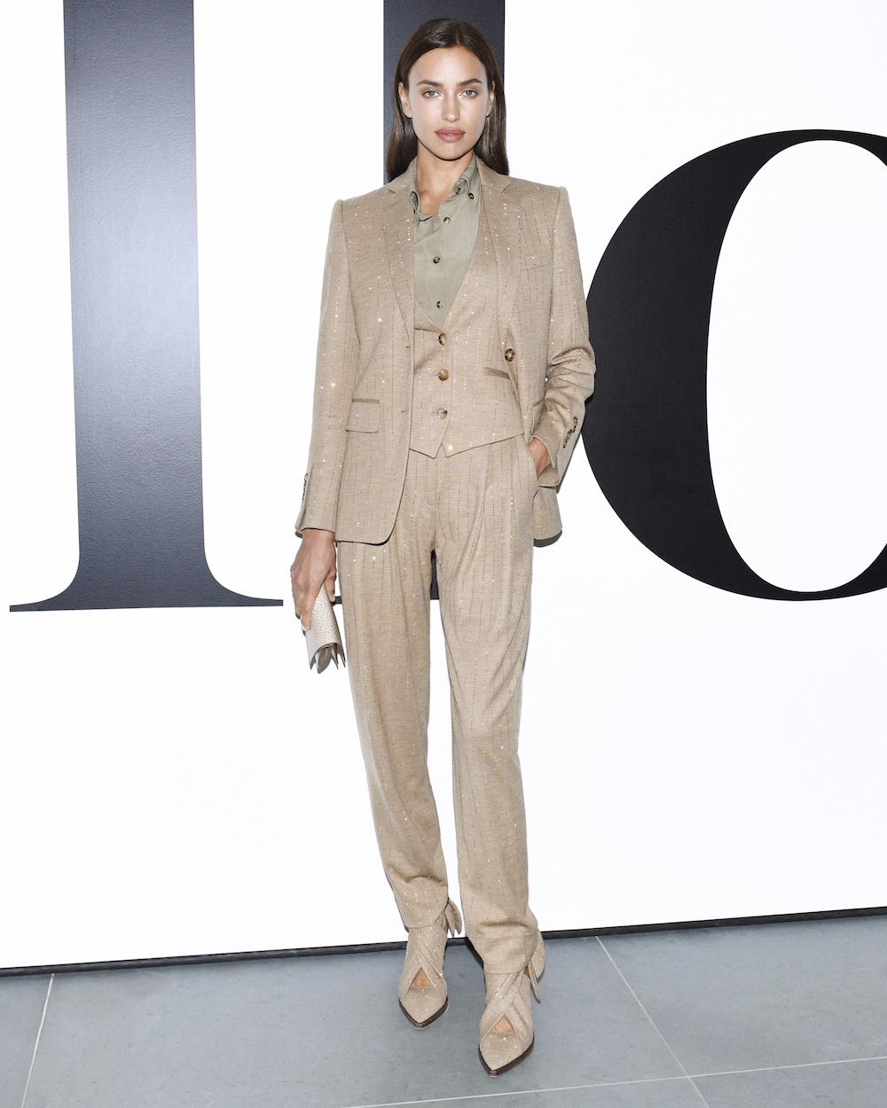 Thời trang Irina Shayk: Luôn trung thành với Burberry 1