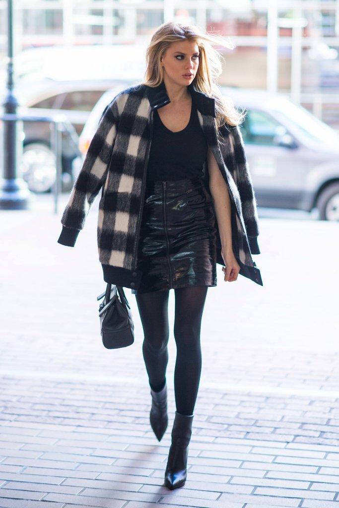Người mẫu Charlotte McKinney