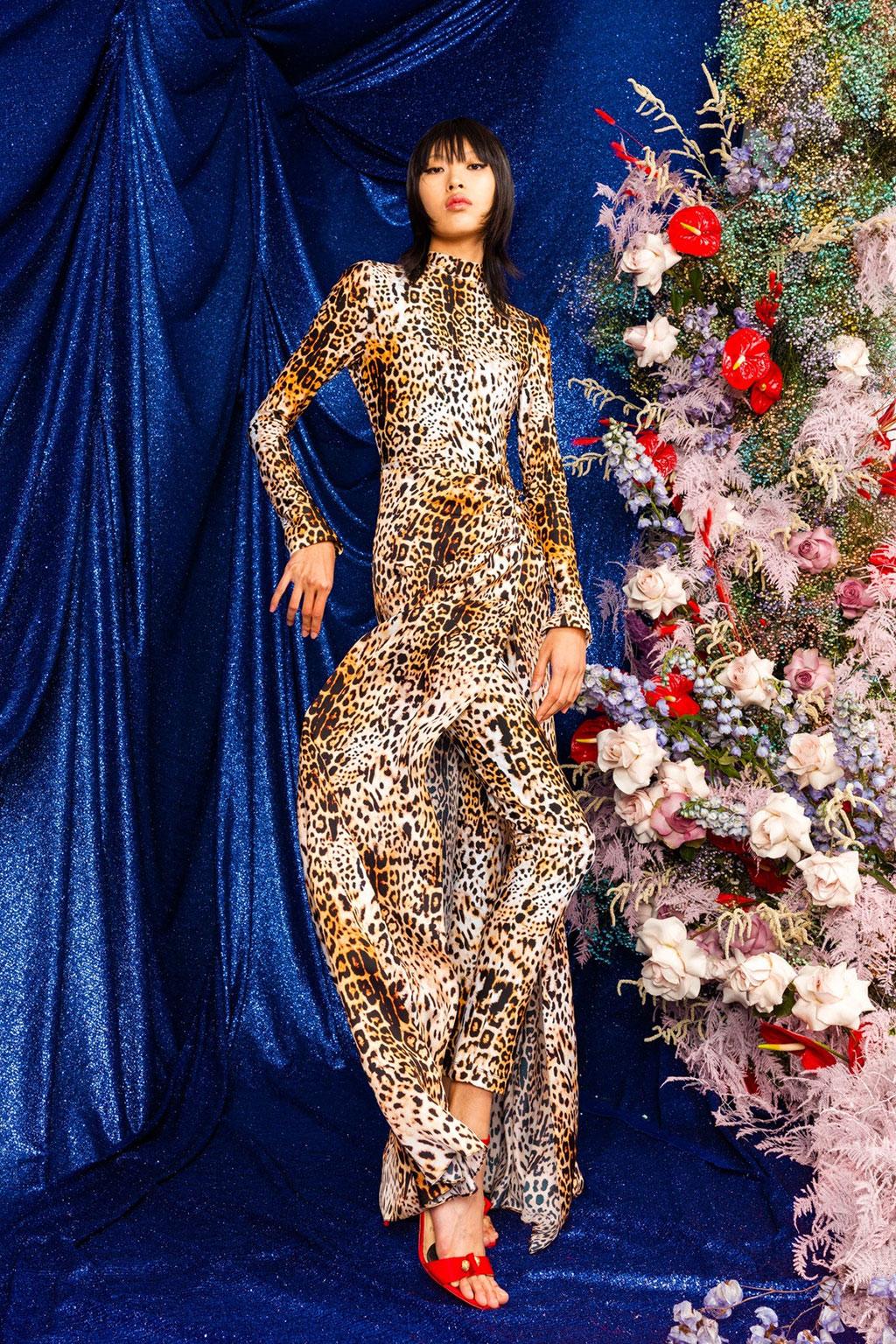 Dahan Phương Oanh diễn show Dolce & Gabbana Xuân Hè 2022 3