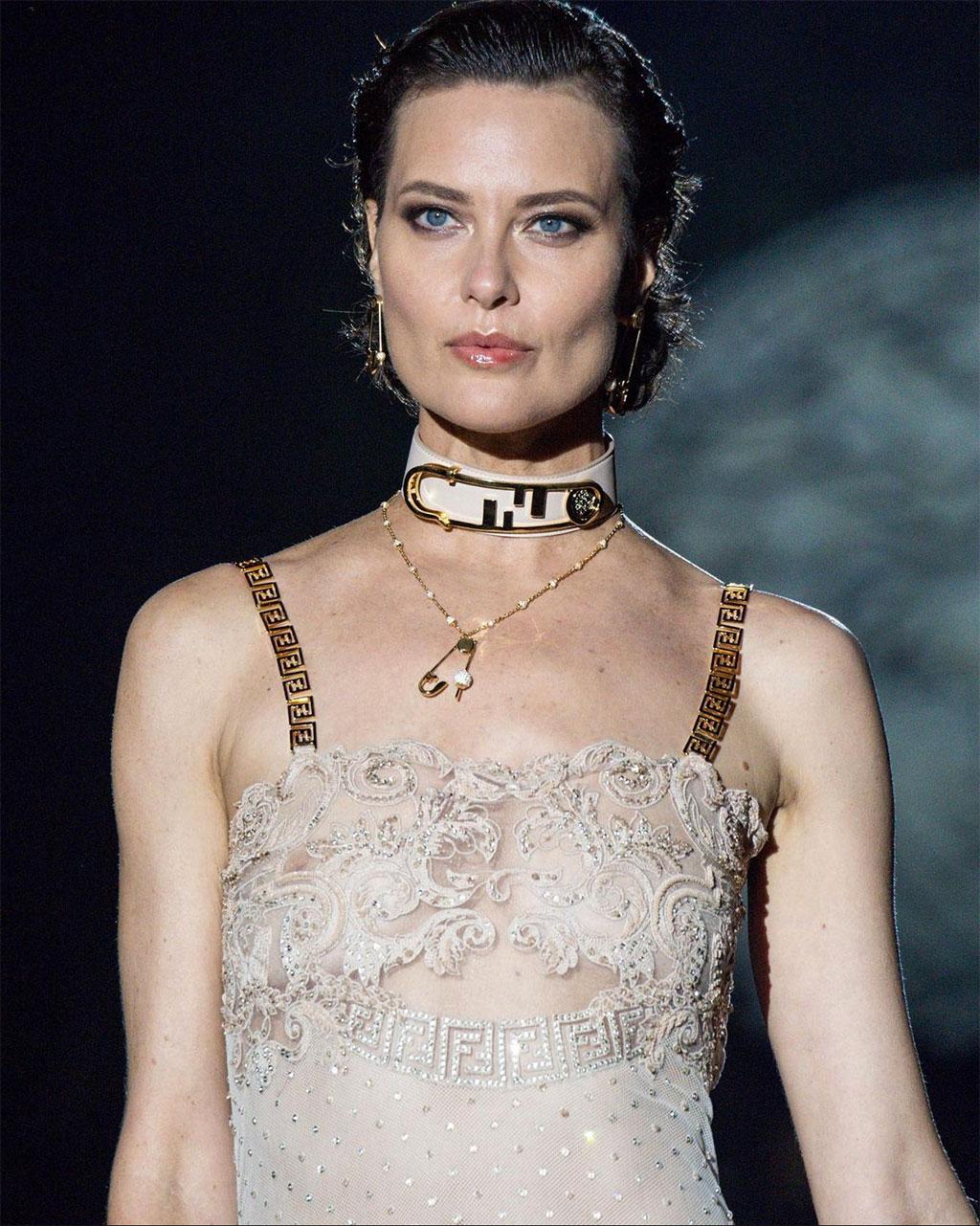 FENDACE: Khi Versace và Fendi bắt tay 7