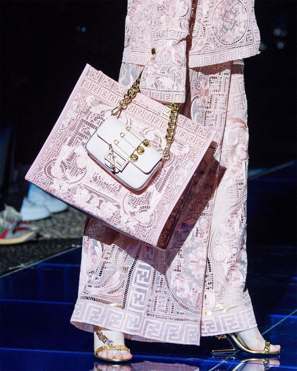 FENDACE: Khi Versace và Fendi bắt tay 3