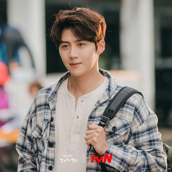 Hong Doo Sik (Kim Seon Ho đóng)