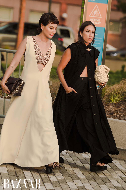 Fashionista chuộng street style hở eo tại tuần lễ New York Xuân Hè 2022 2