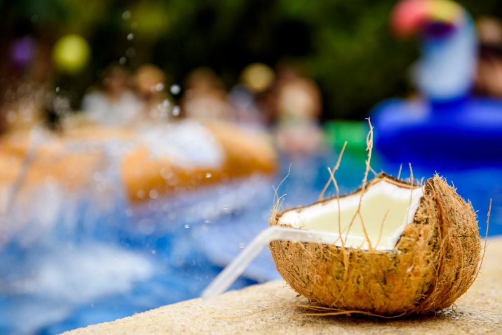 uống nhiều nước dừa bị tiêu chảy
