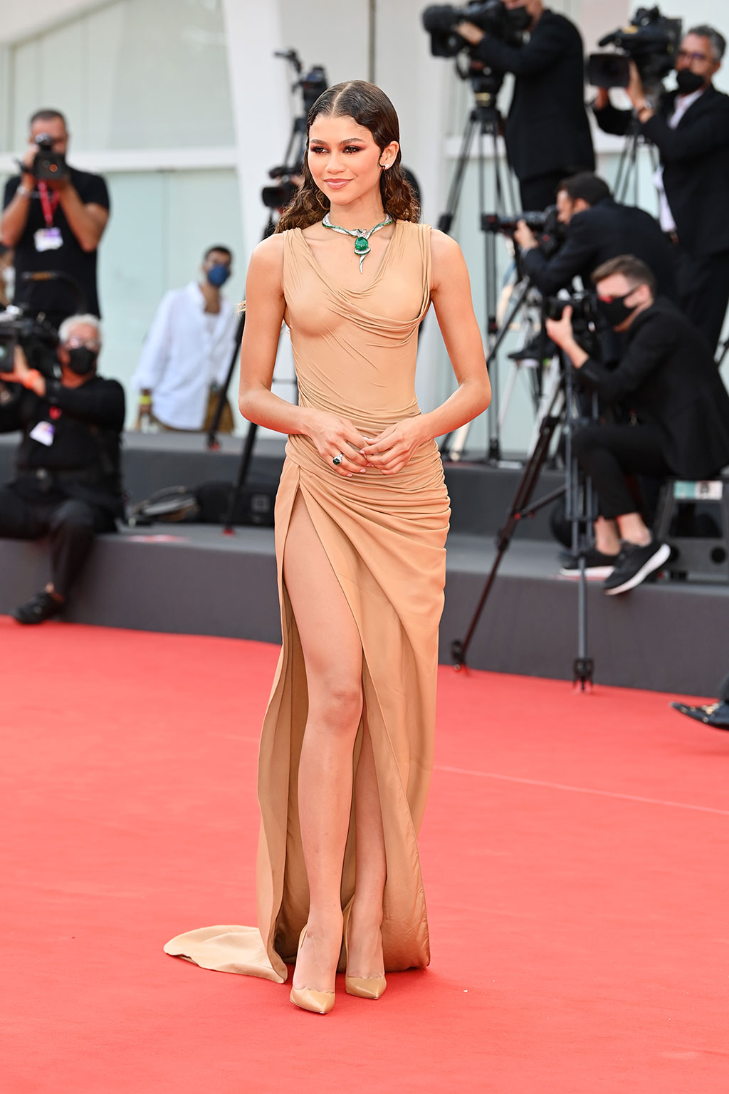 Thời trang thảm đỏ liên hoan phim Venice 2021: Zendaya