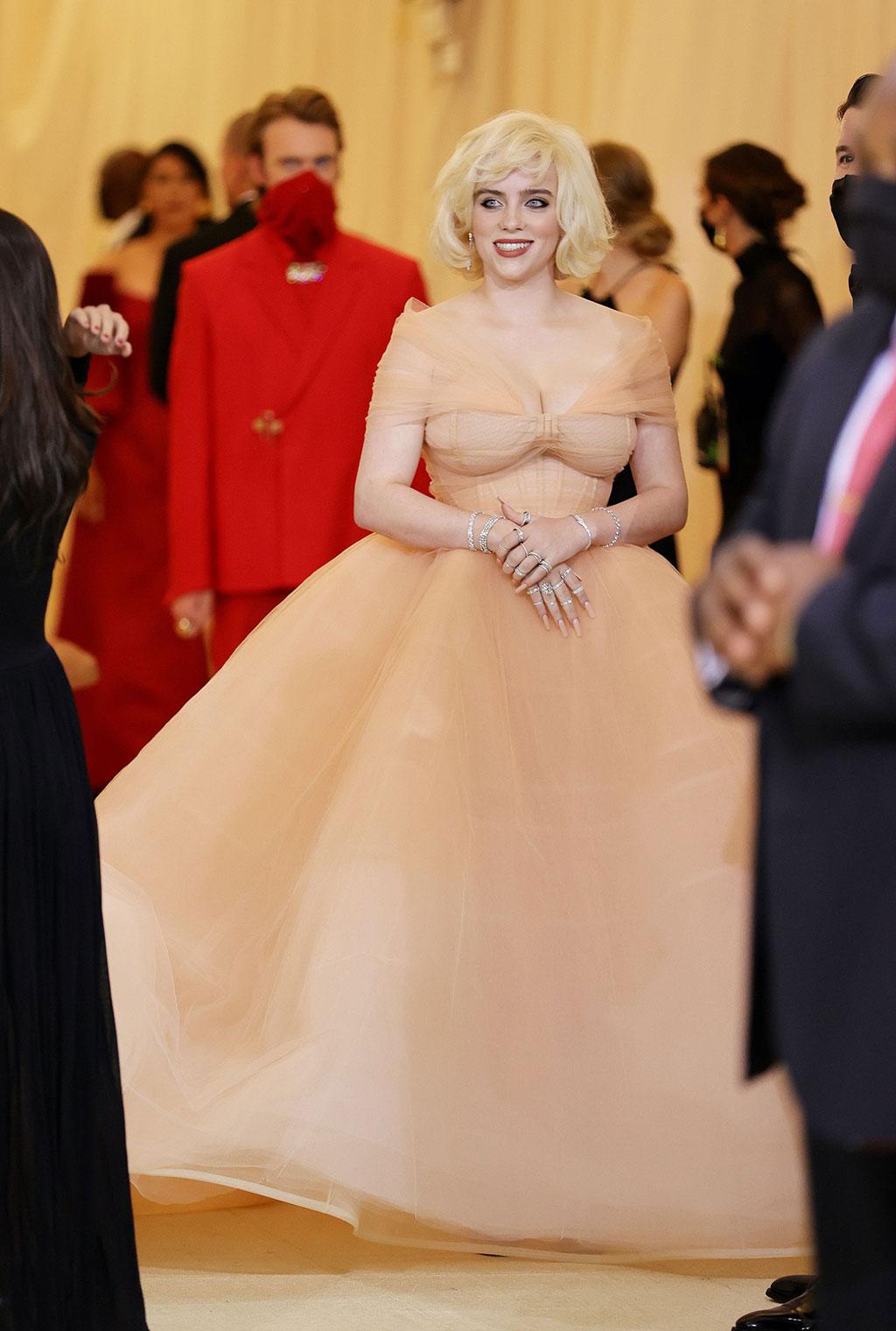 Billie Eilish tái hiện Marilyn Monroe trên thảm đỏ Met Gala 2021 1