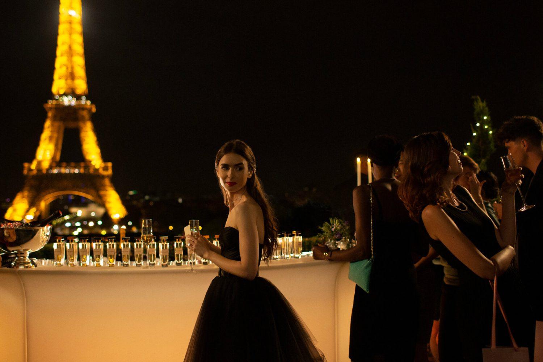 phim về thời trang Pháp trên Netflix: Emily in Paris